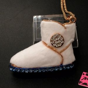 "👢White Fur ""Ugg"" Boot Necklace👢"